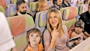 """[ชมคลิป] """"เจนนิเฟอร์ อนิสตัน"""" พบเพื่อนใหม่บนเที่ยวบินเอมิเรตส์"""