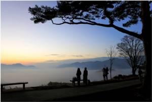 """ชม """"ทะเลหมอก"""" กลางฤดูใบไม้ร่วงที่จังหวัดมิยะซากิ"""