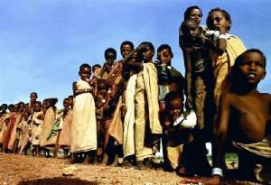 """แพทย์ไร้พรมแดนเผย ผู้อพยพโซมาเลียส่วนใหญ่ไม่อยากกลับประเทศ หลังเคนยามีแผนปิดค่ายพักพิง """"ดาดาบ"""""""