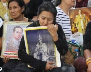 """กต.ตำหนิ """"สื่อนอก"""" บางแห่ง รายงานข่าวการสวรรคตไม่เหมาะสม-ยั่วยุ ชี้ไม่เคารพคนไทย-ไม่มืออาชีพ"""