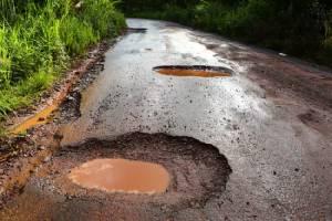 ขับรถอย่างรับผิดชอบในฤดูฝน: คุณรู้มากแค่ไหน?
