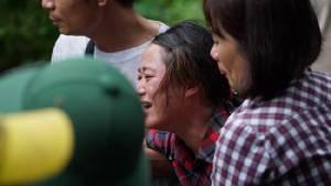 ญาติร่ำไห้หลังกู้ภัยพบ 3 ศพ อุบัติเหตุ ฮ.ทหารตกในเวียดนาม