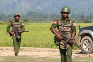โรฮิงญาเผยถูกทหารพม่าขู่ยิงบังคับออกจากบ้านต้องอาศัยนอนกลางทุ่ง