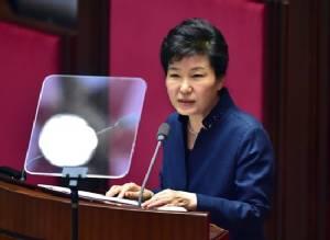 S. Korean president struggles to contain scandal