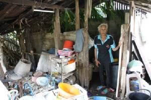 วอนช่วยด่วน พบยายวัย 77 คนร้อยเอ็ดไร้บัตร-ไร้สิทธิ อยู่เชียงใหม่ ต้องเก็บขยะเลี้ยงชีพ
