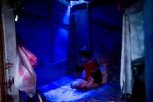 ชาวลาวช็อกข่าว น้องหนูผัดหน้าออกนั่งโชว์ ซ่องโผล่สลอนในเวียงจันทน์