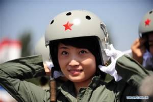 """ขับไล่ """"เจ-10"""" ของจีนประสบอุบัติเหตุ  นักบินหญิงขวัญใจประชาชนเสียชีวิต"""