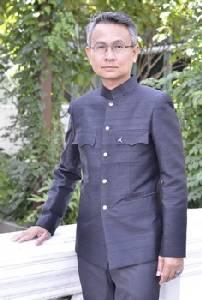 ดร.อนุชา ทีรคานนท์ ตระเวนถ่ายรูปต้นไม้ของพ่อ จัดทำเป็นหนังสือ