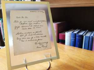 Anne Frank poem fetches 140,000 euros at Dutch auction