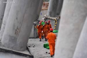 หอคอยโรงไฟฟ้าจีนถล่ม คนงานเสียชีวิต 70 คน ผู้นำฯ สั่งเอาโทษคนรับผิดชอบ