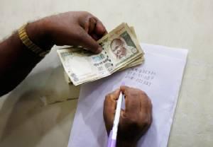 บทเรียนจากอินเดีย: ยกเลิกธนบัตร เพื่อปราบโกง?