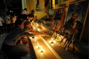 """คิวบาเริ่มไว้อาลัย """"คาสโตร"""" 9 วัน นักศึกษาตะโกนคำขวัญ 'ฟิเดลจงเจริญ' ผู้นำโลกมีทั้งสรรเสริญและประณาม"""
