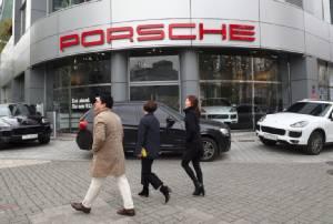 """เกาหลีใต้เตรียมห้ามจำหน่ายรถยนต์ """"นิสสัน-BMW-ปอร์เช่"""" บางรุ่น แถมเรียกค่าปรับ $5 ล้านฐานโกงมลพิษ"""