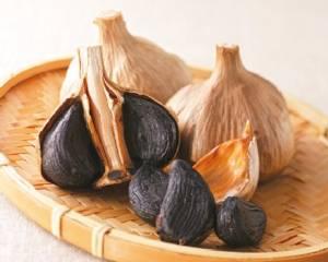 """ชิม """"กระเทียมดำ"""" สุดยอดอาหารบำรุงของชาวญี่ปุ่น"""
