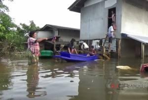 จมยาว! ชาวบ้าน 8 ตำบล จ.ตรัง เดือดร้อนหนัก ผ่านไป 10 วัน น้ำท่วมยังไม่ลดระดับ