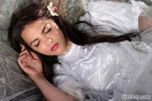 """""""นอนไม่หลับ ไม่ใช่หายนะ!"""" : แค่เปลี่ยนความคิด ชีวิต (การนอน) ก็เปลี่ยน"""