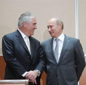 """""""ทรัมป์"""" ประกาศเลือก """"ทิลเลอร์สัน"""" ซีอีโอเอ็กซอนเป็น """"รมว.ตปท."""" แม้มีเสียงครหาว่าสนิทกับ """"รัสเซีย"""""""