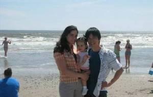 รักแรกยิ้ม! ชาวเน็ตฯ ประทับใจ พรหมลิขิตครูสาวอเมริกัน-หนุ่มยามจีน