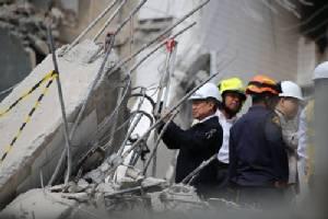 เร่งค้นหา 2 ผู้สูญหายใต้ตึกถล่ม ซอยสุขุมวิท 87 พบสัญญาณชีพลึกเกือบ 8 เมตร