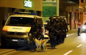 InClip: ตำรวจแดนนาฬิกาแถลง มือโจมตีบุกยิงมัสยิดซูริคเป็นพลเมืองสวิส  ไม่เชื่อมก่อการร้าย พบนอนเสียชีวิต บาดเจ็บ 3