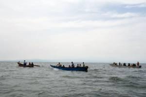 เรือทีมฟุตบอลและกองเชียร์ยูกันดาอัปปางกลางทะเลสาบ ดับอย่างน้อย30ศพ