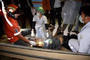 2 นักศึกษา ม.ดังซิ่งบิ๊กไบค์ยกล้อโชว์หน้าเธคชนเสาไฟโค้ง 100 ศพนครพนม ดับสยองทั้งคู่