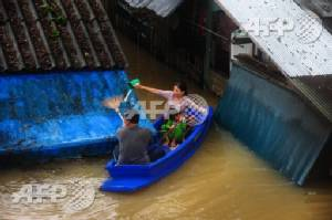 Six dead in southern Thai floods