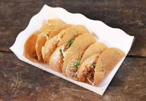 """""""ขนมเบื้องไทยลุงน้อย & ขนมเบื้องญวนย่าแช่ม"""" รสแจ่ม เจ้าเก่าตลาดนางเลิ้ง"""