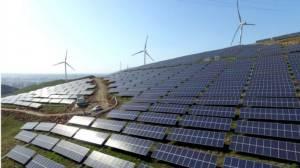 """จีนทุ่มสองล้านล้านหยวนหนุน """"พลังงานหมุนเวียน"""" สู้ศึกมลพิษ กระตุ้นเศรษฐกิจชาติ"""