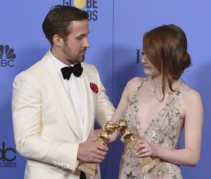 """La La Land กวาด 7 ลูกโลกทองคำ """"เอมมา สโตน – ไรอัน กอสลิง"""" ซิวรางวัลนักแสดงนำ"""