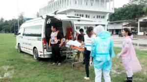 ผู้ประสบอุทกภัยเครียดสูง พบ 1 ราย ซึมเศร้ารุนแรงหลังเสียลูกชาย ด้าน รพ.เกาะเต่า ย้ายผู้ป่วยหนีน้ำท่วม
