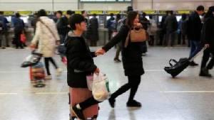 """คนจีนฮิต """"แอปจ้างแฟนตัวปลอม"""" ตัวช่วยมีสาวควงกลับบ้านรับตรุษจีน"""