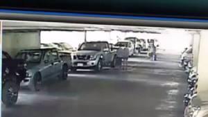 อุทาหรณ์แม่ค้าขายเสื้อผ้าวัย 20 ปี จอดรถล็อกเกียร์ถูกกรีดรถเสียหายรอบคัน