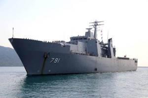 กองทัพเรือจัดพิธีต้อนรับ เรือหลวงอ่างทอง กลับสู่มาตุภูมิ