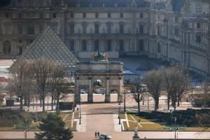 """เผยมือมีดโจมตี """"พิพิธภัณฑ์ลูฟวร์"""" เป็นหนุ่มอียิปต์วัย 29 ปี-ทวีตข้อความเชิดชู IS ก่อนลงมือแค่ไม่กี่นาที"""