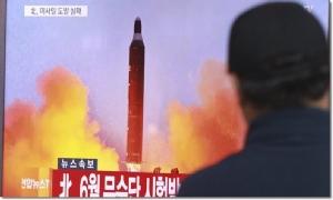 """InClip:โซลประกาศ """"เกาหลีเหนือ"""" ทดสอบมิสไซล์พิสัย 500 กม.ครั้งแรก ท้าทายทรัมป์"""