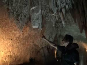 นายก อบต.นาหมื่นศรีลั่นไม่ยอมเด็ดขาด ถูกโจรลอบตัดหินงอกหินย้อยในถ้ำเขาช้างหาย