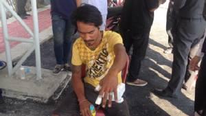 คนงานพม่าปรับพื้นถนนขุดโดนระเบิดปิงปองบึ้มใส่ได้รับบาดเจ็บ