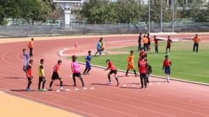 """""""ฟุตบอล"""" อาชีพใหม่ยอดฮิตเยาวชนไทย โรงเรียนแก่นนครฯรับไม่ถึง70แต่สมัครคัดเลือกนับพันคน"""