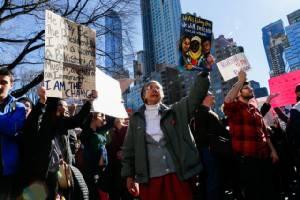 ผู้ประท้วงหลายเมืองทั่วสหรัฐฯ ใช้วันประธานาธิบดี ชุมนุมต่อต้านทรัมป์