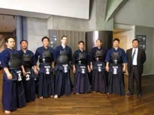 เรียนศิลปะป้องกันตัวฟรี พร้อมจิบน้ำชาชมตะวันลับกับตำรวจญี่ปุ่น