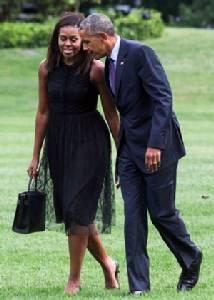 Barack, Michelle Obama sign bumper book deal