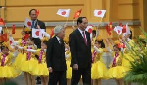 พระจักรพรรดิอากิฮิโตะพระราชทานพระบรมราชวโรกาสให้ครอบครัวทหารญี่ปุ่นในเวียดนามเข้าเฝ้าฯ