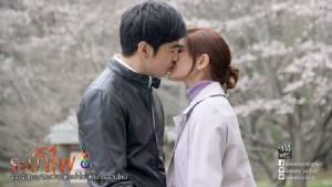 """""""ออย-ก้อย"""" จูบหวานแดนซากุระ ปิดฉาก """"ระบำไฟ"""""""