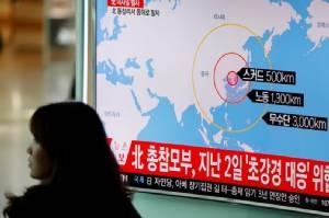 """โสมแดงโอ่! ตั้งใจยิงจรวดลงทะเล 4 ลูกเพื่อซ้อมโจมตี """"ฐานทัพสหรัฐฯ"""" ในญี่ปุ่น"""