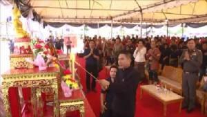 """นักมวยไทย-เทศนับ 1,000 คน ร่วมพิธีบวงสรวง """"นายขนมต้ม"""" บรมครูแห่งวงการมวยไทย"""