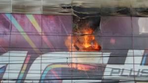 """ไฟไหม้ชั้น 3 ฟอร์จูนทาวน์ ไร้คนเจ็บ """"ซีพีแแลนด์""""ยันอาคารปลอดภัย คาดไฟฟ้าลัดวงจร"""