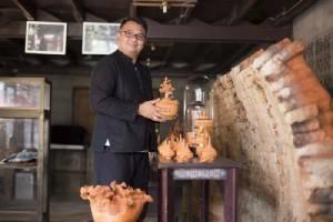 """ศ.ศ.ป. เชิดชู   """"11 ทายาทช่างศิลปหัตถกรรม"""" ชวนชอปงานคราฟท์ของไทยดีไซน์ระดับสากล"""