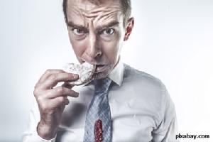 น่ากลัวกว่าที่คิด! พฤติกรรมการกินผิดปกติ