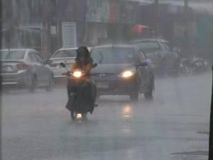 หลายอำเภอของ จ.ยะลา เกิดฝนตกลงมาอย่างหนัก หลังมีประกาศเตือนจากกรมอุตุฯ